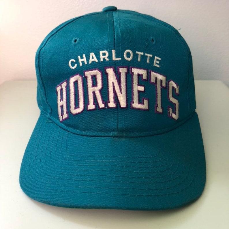 d2e93d9e9339b Vintage Charlotte Hornets Starter Snapback Hat