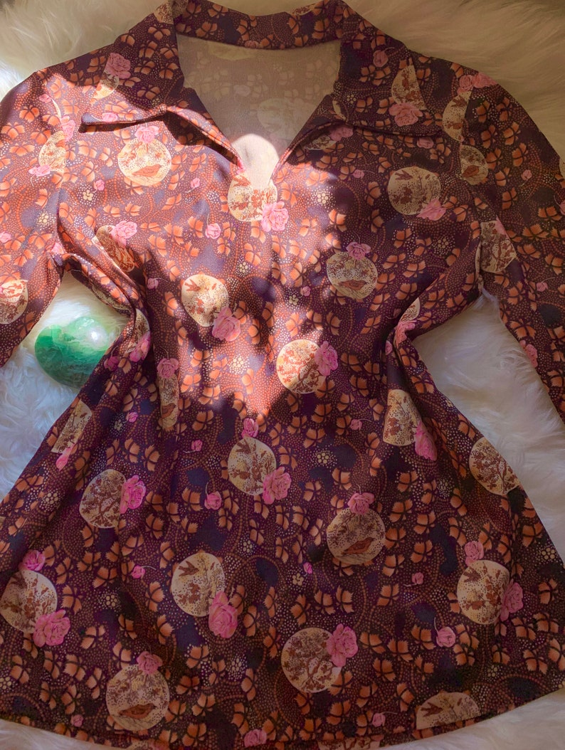 Earthy /& Colorful Orange Brown Pink Floral Birds Boho Bohemian Chic Vintage Collared Blouse Retro Trendy 1960s to 1970s XS S M