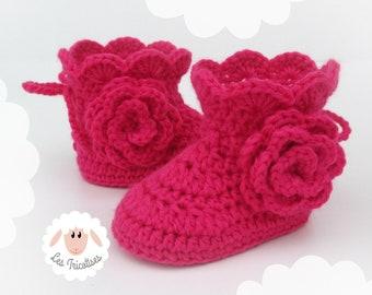 3324b275851e3 Chaussons rose bonbon bébé 3 mois