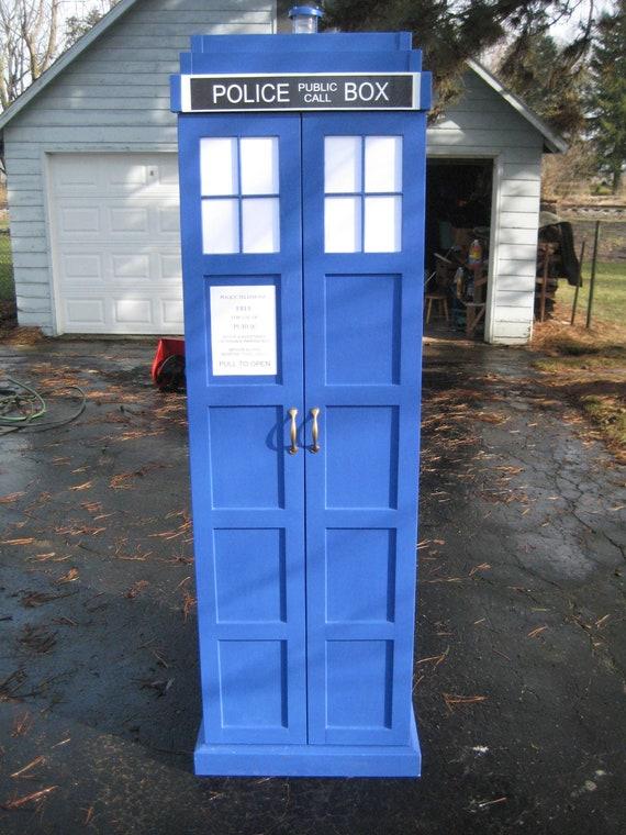 TARDIS Bookcase Dr Who Bookshelf Cabinet Police Call Box