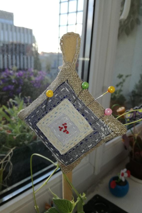 Coussinet fait-main, joli petit coussin, tissus fait de tissus coussin, naturels: lin et coton d1a513