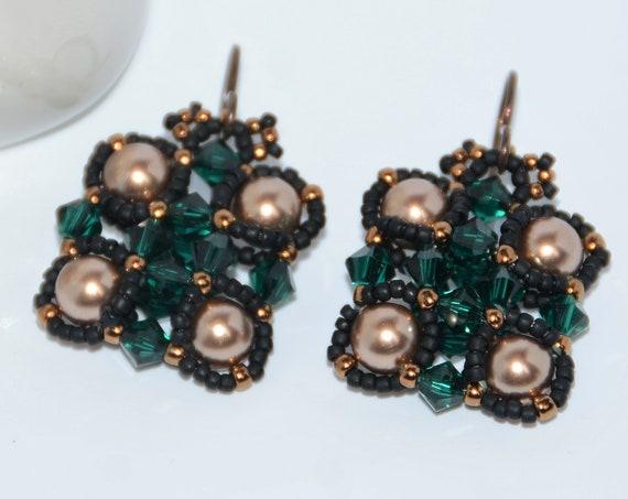Stylish Hand Beaded Swarovski Crystal Bronze Pearl and Crystal Bicone Earrings – Bronze/Emerald