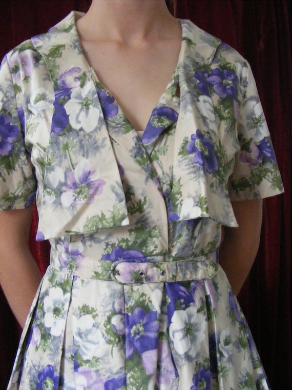 1950s vintage floral dress with belt - image 2