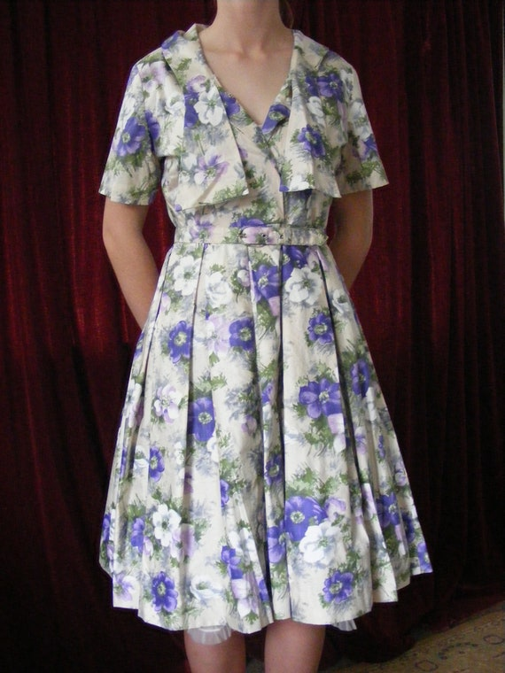 1950s vintage floral dress with belt - image 3