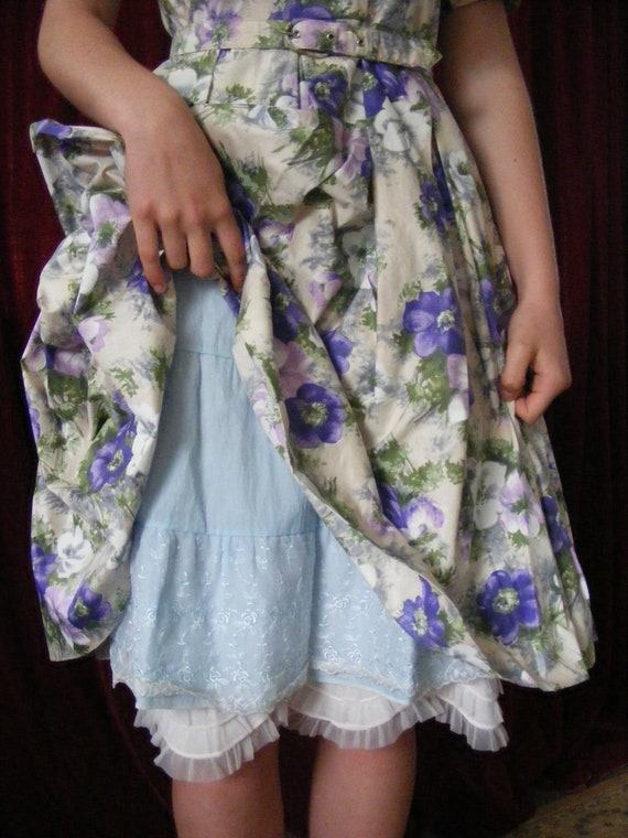 1950s vintage floral dress with belt - image 1