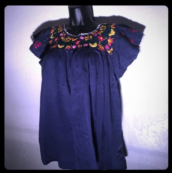 1970s Hand Embroidered Mexican Peasant Blouse