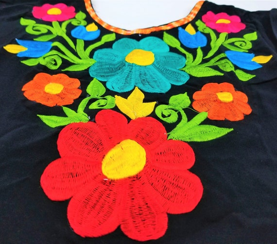 Floral boxy-cut Embroidered Blouse Embroidered Mexican Blouse