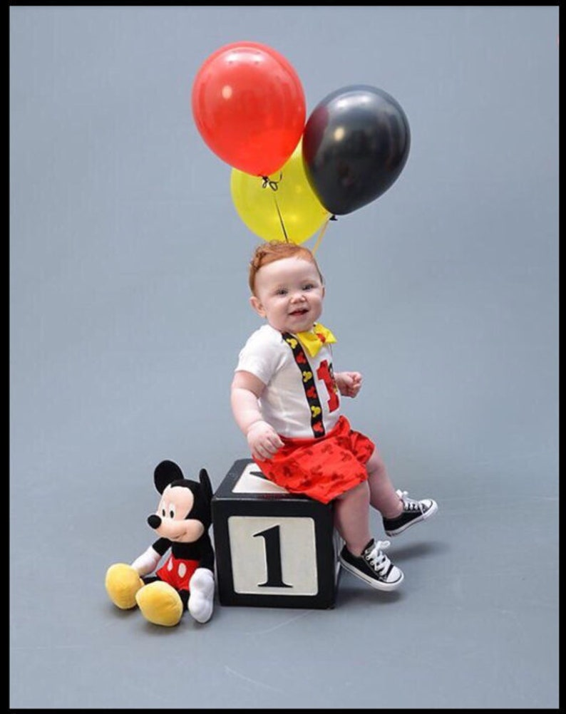 Disney Mickey Mouse Shorts and Onesie Boys Cake Smash First Birthday Outfit  w/OPTIONAL Party Hat Fotos