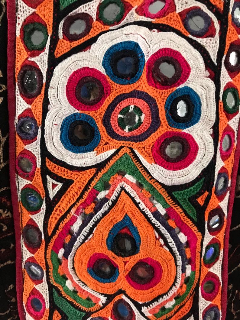 Designer Gujarati Gamthi Patch Work Blouse Floral Ajrakh Print Gaji Silk Blouse Vintage Embroidery Navratri Wear Mashru Silk Crop Top