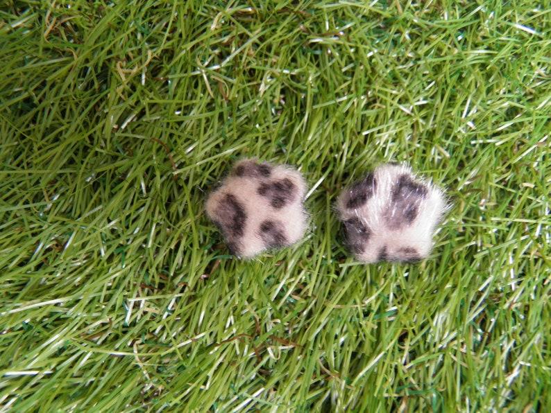 VINTAGE fuzzy animal print earrings.