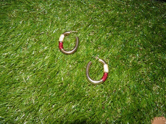 VINTAGE Golden hoops with red pearly paint and rea