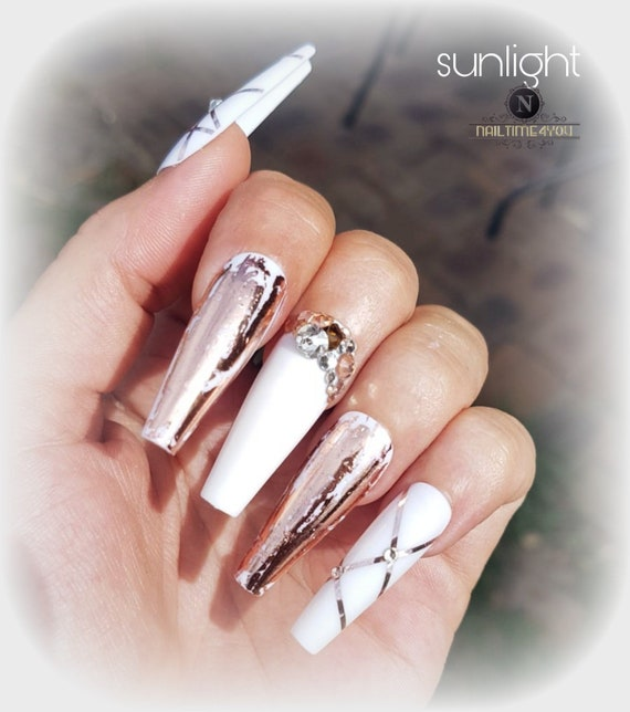 White rosegold Press on nails, acrylic nails, coffin nails, stick on nails,  hand painted