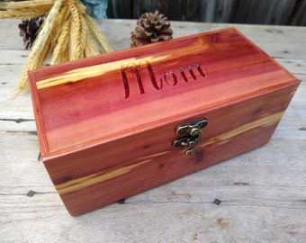 Personalized Wooden Box with Lock Gift for Dad or Mom, Christmas Gift Engraved Small Keepsake, Wedding, Bridesmaid Proposal Gift Jewelry Box