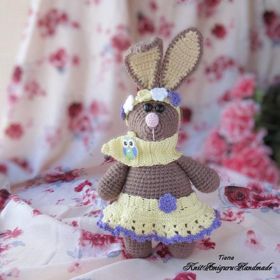 Amigurumi cute fat bunny crochet pattern - Amigu World | 570x570