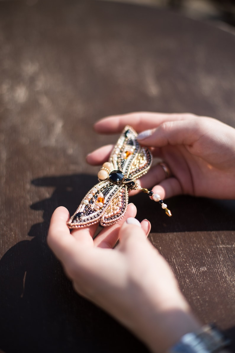 Embroidered insect pin Trendy insect jewelry beige dragonfly brooch handmade gold black insect Tropical animal brooch