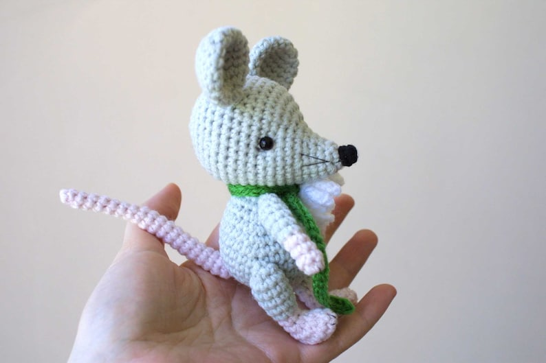 tiny mouse | PlanetJune by June Gilbank: Blog | 529x794