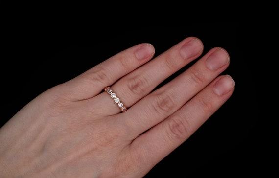 Sterling Silver Engagement Ring w//Bezel Set Brilliant Cut 4mm 0.25ct CZ Stones