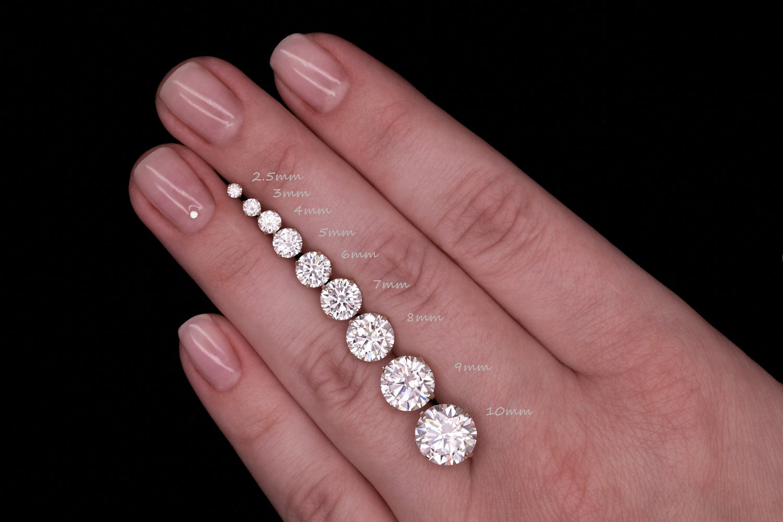 3.00 ct Round Brilliant Cut Blue Diamond Stud Earrings in 14k 585 Rose Gold Brilliant Cut Basket Screw Back