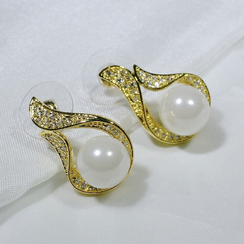 E0559 Women Jewelry 18K Yellow Gold GF Pearl with Clear Round Stones Earrings Fashion Lady Drop Stud ID