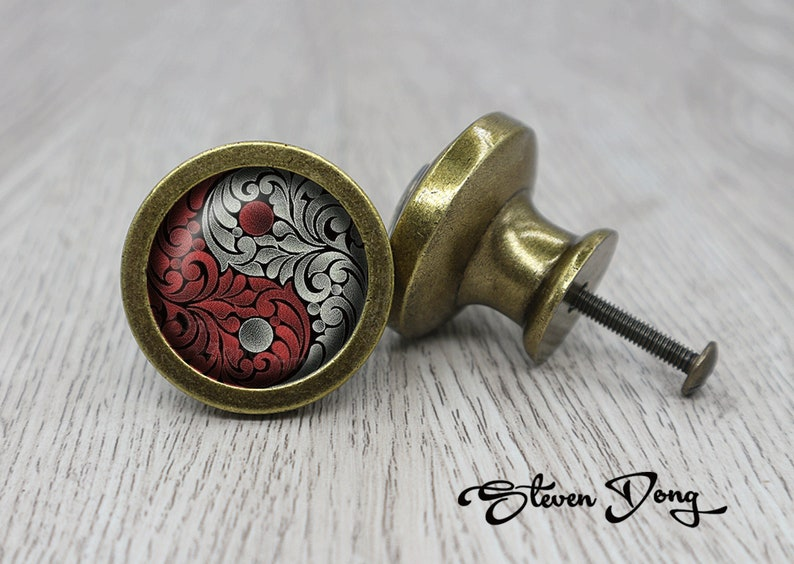 Alice in Wonderland  Retro Bronze Dresser Knobs  Cabinet Knobs  Furniture Knobs  5 Colors to Choose  Customized