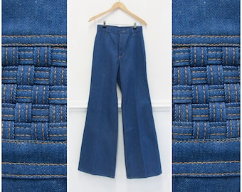 b1b5469ba11 70s Bell Bottoms Flared Leg Jeans 26 Wide Leg Jeans W26 L34 70s Denim  Flares High Waisted Bell Bottom Jeans Mens 70s Flared Pants Womens XS