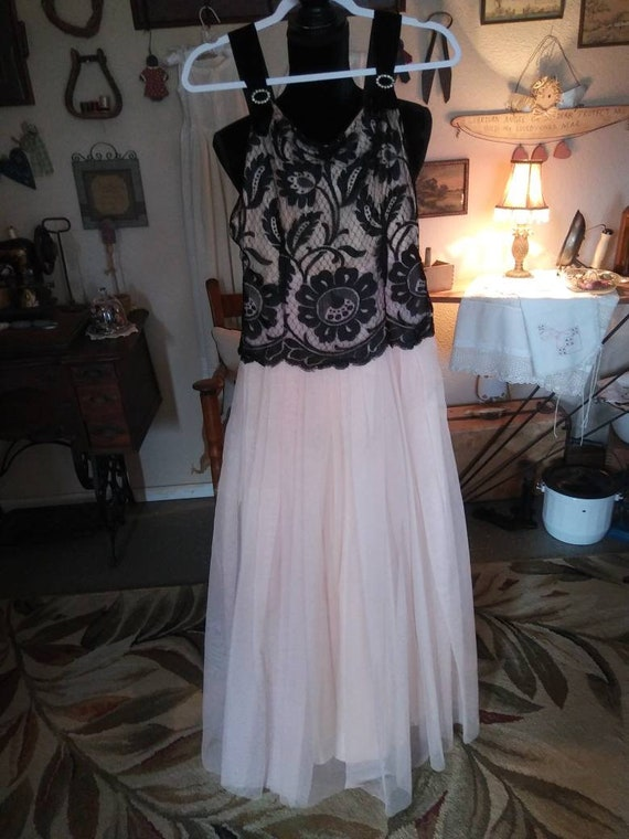 Vintage 1950s or 1960s Gown/ FREE SHIPPING - image 5