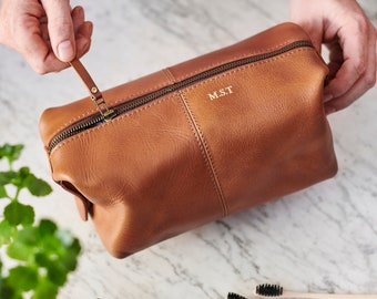 Leather Wash Bag with Personalisation 1d3367564eb76
