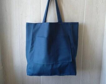 8b4f8def5e1dc Große Einkaufstasche mit zwei Taschen vorne in blau