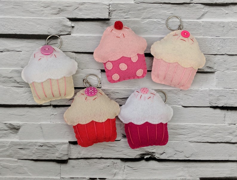 Cute Cupcake Keychains Party Favour Pack of 5. Kids Party image 0