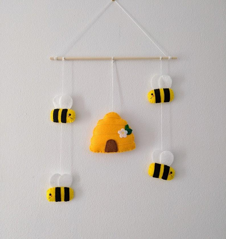 Bee Nursery Wall Hanging. Children's Bedroom Wall Art. image 0