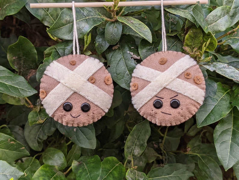 Kawaii Felt Hot Cross Bun Easter Hanging Decoration. Happy image 0