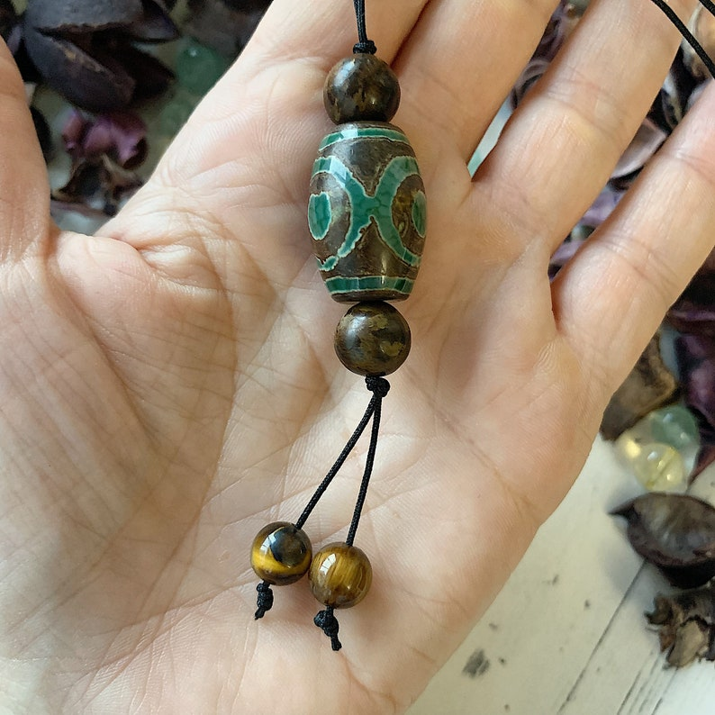 Amulet of achieving the goal Bead Dzi Rui-fulfillment of desires Talisman to open the doors.Healing pendant.Pendant made of natural stone.