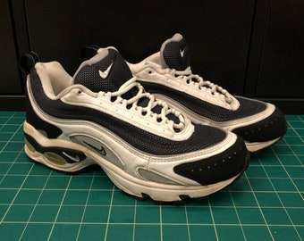 pretty nice f6e43 04b9d Vintage Nike Air Max Tailwind 90s White, Black, Silver Mens size 7.5