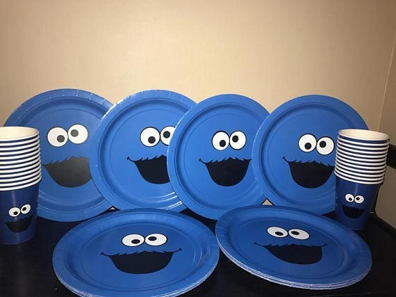 Sesame Street Birthday Party Face 10 Plates And 12 Cups Elmo Cookie Monster Party Decorations Ideas Inspired 1st Birthday Food Drink Theme