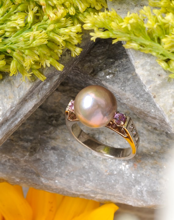 Pink Pearl and Sapphire Gemstone Ring