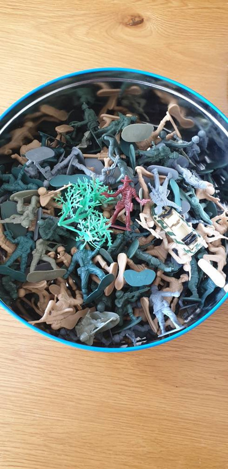 TOY SOLDIERS job lot
