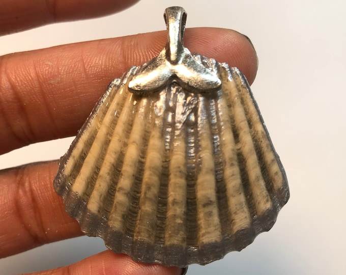 Sea Shell decorated pendant