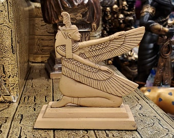 Vintage Ma'at Statue - Ancient Egyptian Goddess Maat with Feather of Justice - Altar Statue - 3.2'' / 8cm tall