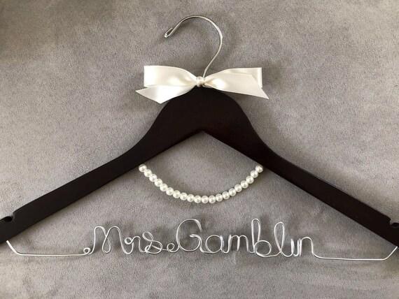Bridal gift Bridal hanger Personalized hanger Wedding hanger Bridal gift Wedding gift Customized hanger Pearl hanger