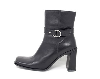 9736f48786072 Futuristic boots | Etsy