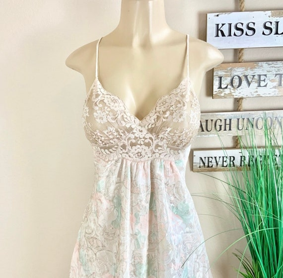 Lucie Ann   Vintage Floral Robe And Nightgown Sz M - image 6