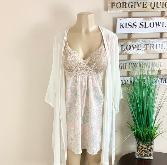Lucie Ann   Vintage Floral Robe And Nightgown Sz M - image 1