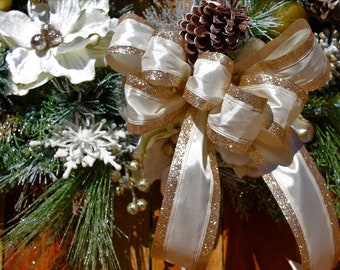 Winter White & Gold Christmas Snow Wreath