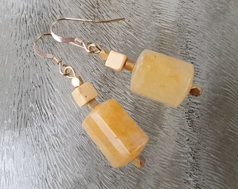 Golden earrings with citrine gemstone and mouakite, gold fill, hand made De Blije Ekster