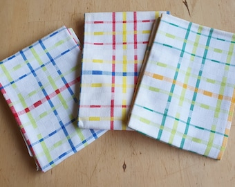 Vintage tea towels , new from the 70s, set of 3, matching set kitchen towels
