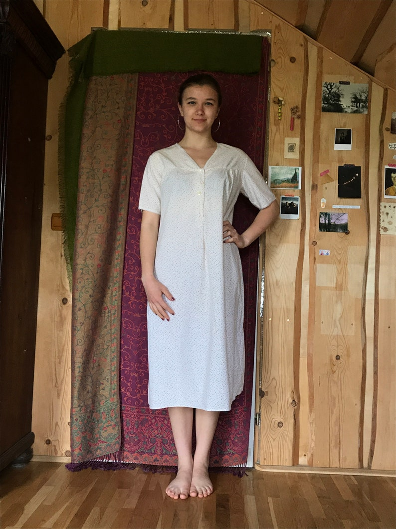 two buttons White vintage 70s cotton nighty V-neckline short sleeves polka dot print knee length
