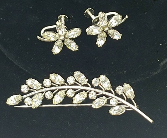 Krementz Rhinestone Leaf Set