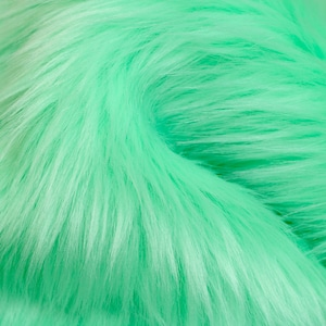 Christmas Green Color,Long Pile Furry Faux Fur Fabric for Home Decor,Costume,Pillows,Beddings,Throws,Craft,Pompoms,Multi Size Patches