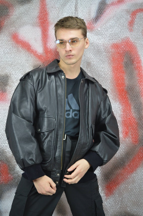 Vintage black classic leather bomber jacket