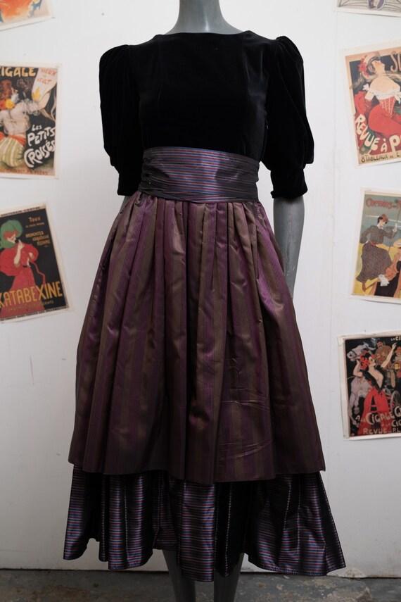 Laura Ashley Puffed Sleeves Velvet Taffeta Dress